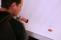 Badkamer en douche afkitten